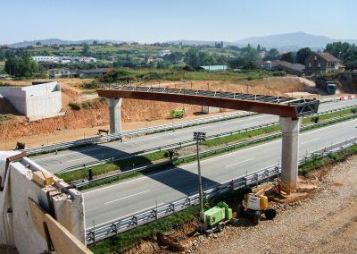 Estructuras de enlace entre las autopistas AS-1 y A-64