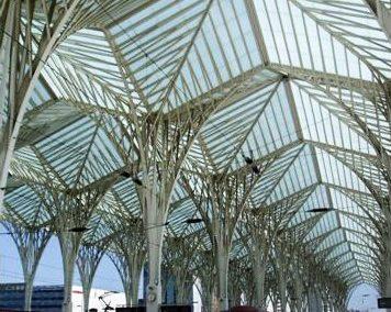 ESTACIÓN DE ORIENTE. Estación de tren, autobús y metro. Lisboa (Portugal)