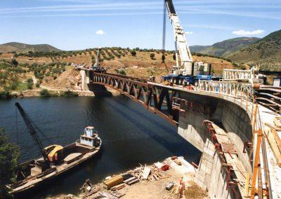 PUENTE EN LA FREGENEDA. Puente sobre el río Fregeneda. Salamanca (España)