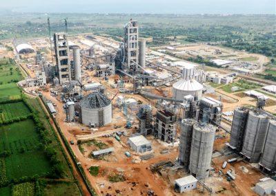 Planta de producción de 4.000 tpd de cemento. Tuban (Indonesia)