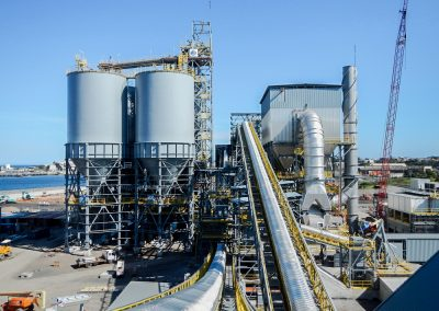MOLIENDA DE CEMENTO Y GGBFS. Molienda 950.000 Tn cemento y 150.000 Tn escoria. Port Kembla (Australia)
